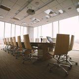 大企業の会議室