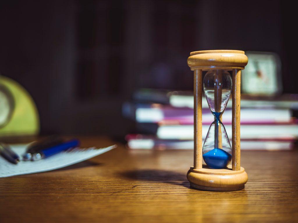 時間を刻む砂時計
