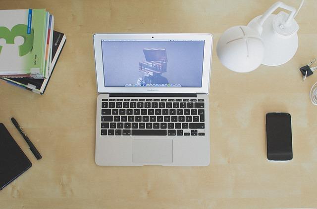 パソコンとスマホ
