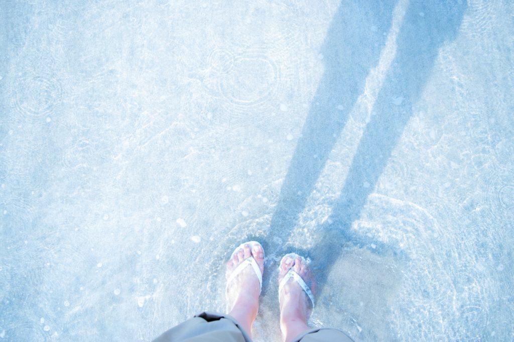 レールから海を外れて歩く